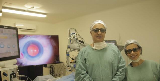 Dr. Irineu Antunes Neto realiza a primeira cirurgia de catarata em 3D do Paraná com o NGENUITY